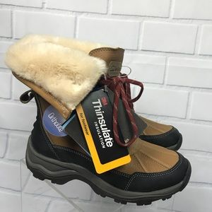 NEW Clarks Outdoor Leather Mazlyn Boots Sz 7